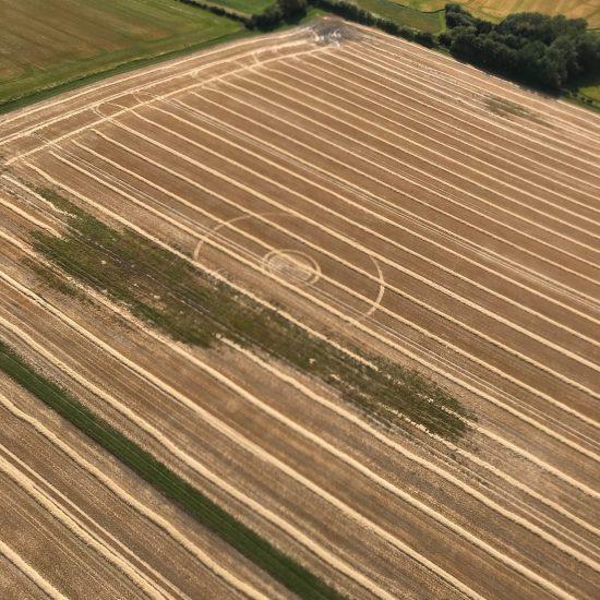 2. Harvested Circle Broad Hinton, © Monique Klinkenbergh